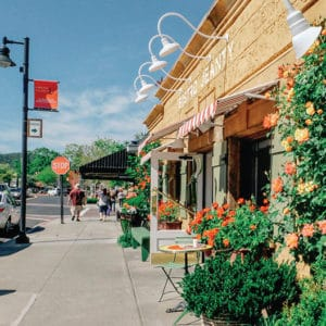 Explore Yountville on Foot